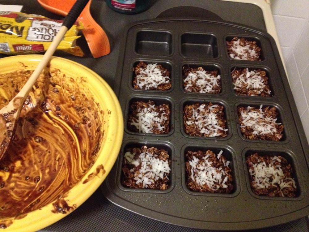 Coconut Almond Granola Bars! (1/2)
