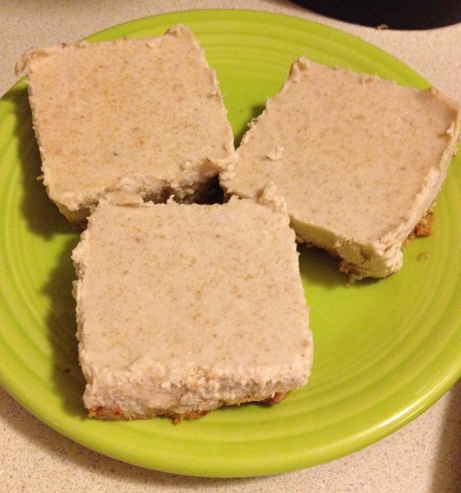 Paleo Coconut Cream Pie with Carrot Cake Crust (1/6)